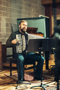 evan playing accordion2